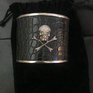 Jewelry - Diamond skull cuff